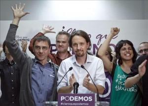 """""""Podemos"""" celebrando su victoria. El líder, Pablo Iglesias, tiene un nombre que imprime carácter."""