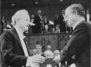 Gary Becker recibe el Nobel de manos del rey de Suecia en 1992