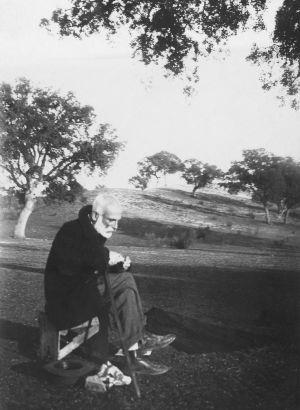 Francisco Giner de los Rios en El Pardo (1910)